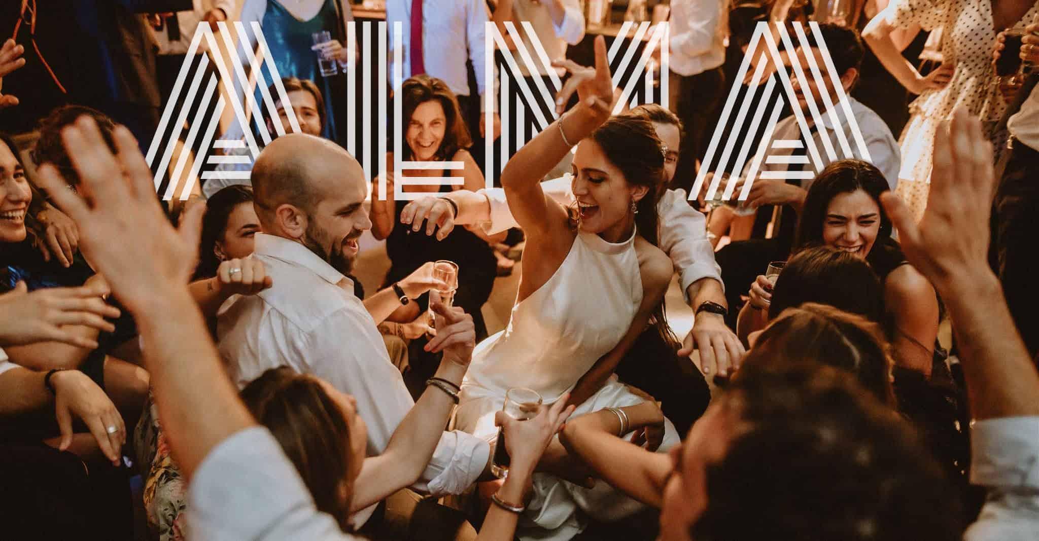 Fotografia de Matrimonio. Barbara y Benjamin en la fiesta de su matrimonio en Vista Santiago.