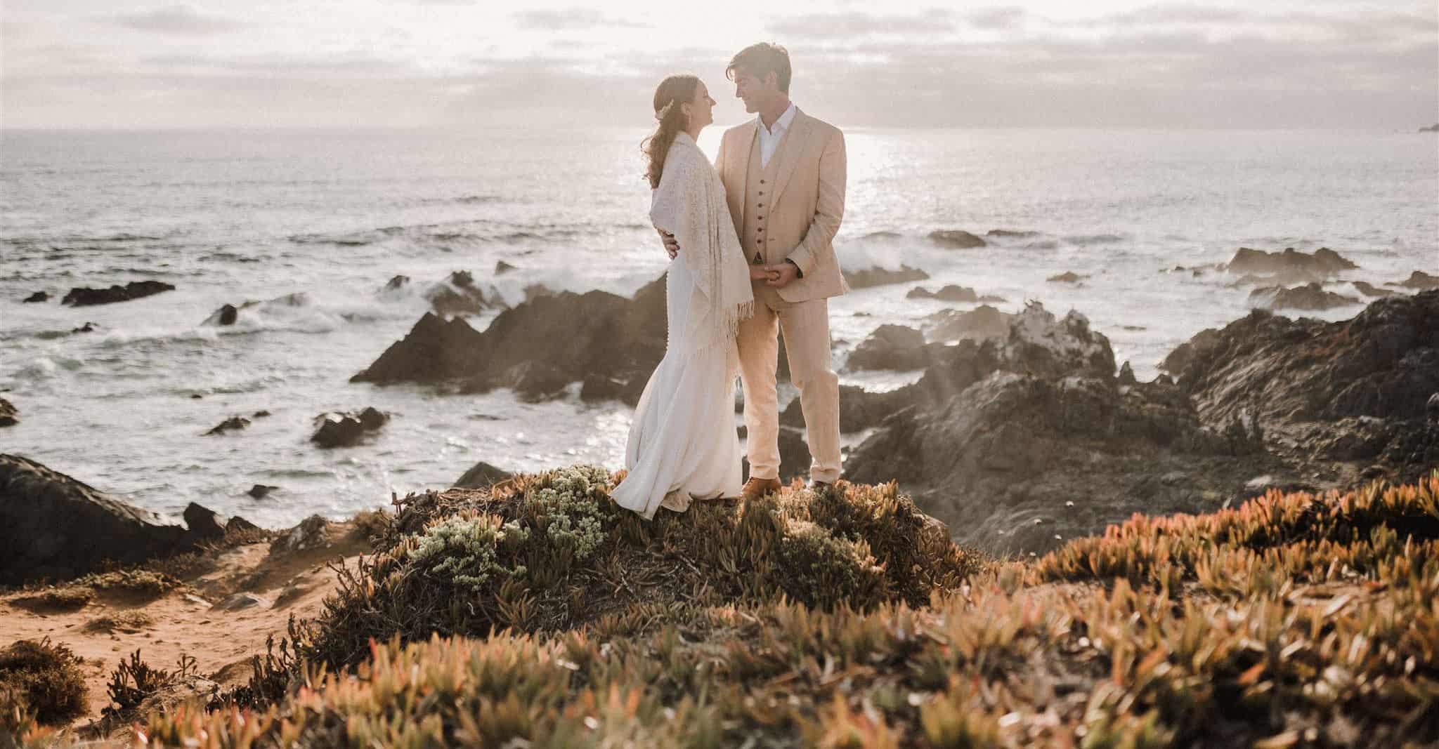 Fotografia de Matrimonio. Valentina & Sebastian con la tremenda vista de la playa en Huaquen